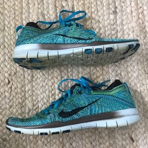 Nike Shoes - Nike Free TR Flyknit